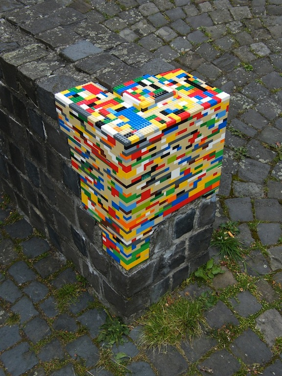 street art lego marketing